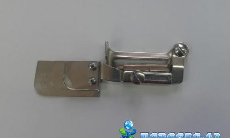 Sewing attachment used for triple sewing of two pieces of fabric